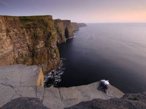 cliffs-moher-couple_6783_600x450.jpg